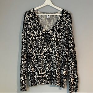 Gap Baroque Black and White Sweater